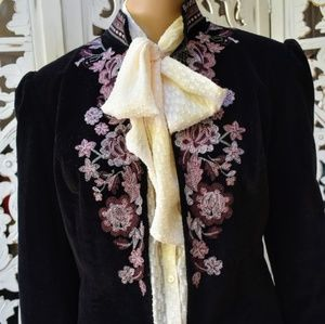 Vintage 80s/90s embroidered velveteen puffed sleev